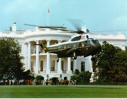 Marine One in front of Whitehouse courtesy of Wikimedia Commons