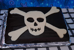 Pirate Birthday cake photo courtesy of The Quilting Mama's Flickr photostream