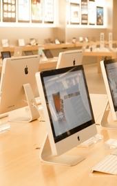 Apple store. Image credit: pcruciatti / Shutterstock.com