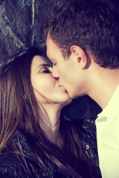 Teenagers kissing.. this can lead to behaviour which might spread Chlamydia. Image from Shutterstock
