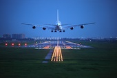 Plane taking off. Image courtesy of Shutterstock