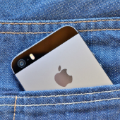 iphone. Image courtesy of st.djura/Shutterstock.