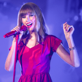 Image of Taylor Swift courtesy of  Featureflash / Shutterstock.com.